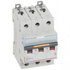 Выключатель автоматический трехполюсный DX3 2,5А MA 25кА   409877   Legrand