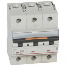 Выключатель автоматический трехполюсный DX3 32А D 25кА (4,5 мод) | 409836 | Legrand
